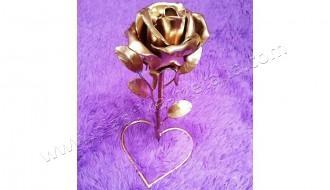 кованый сувенир роза на сердце