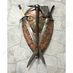 Кованый щит, топор и меч